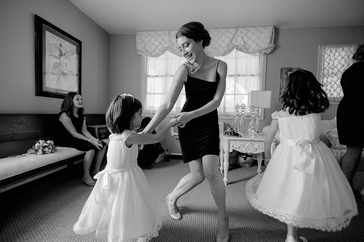bridesmaid dance with flower girls