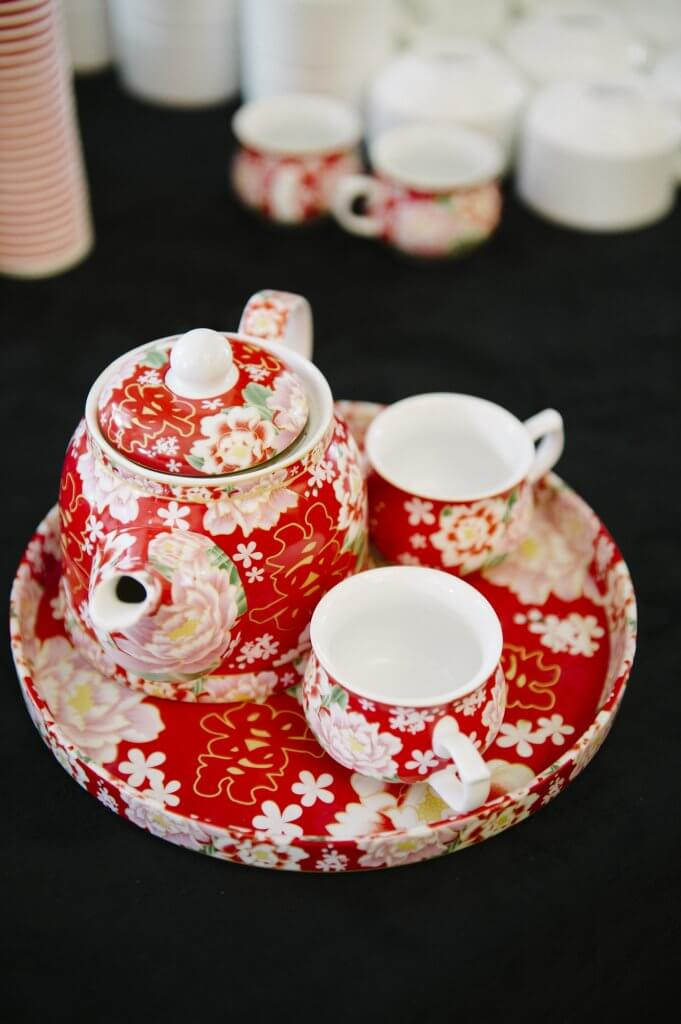 traditional tea set for chinese wedding ceremony
