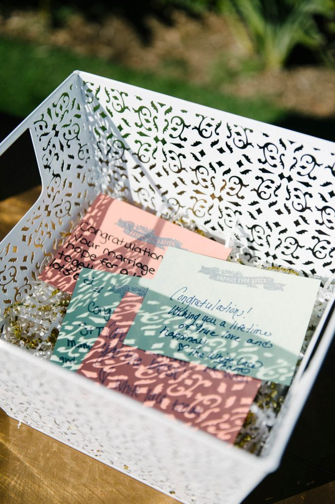 hand written note cards to bride and groom
