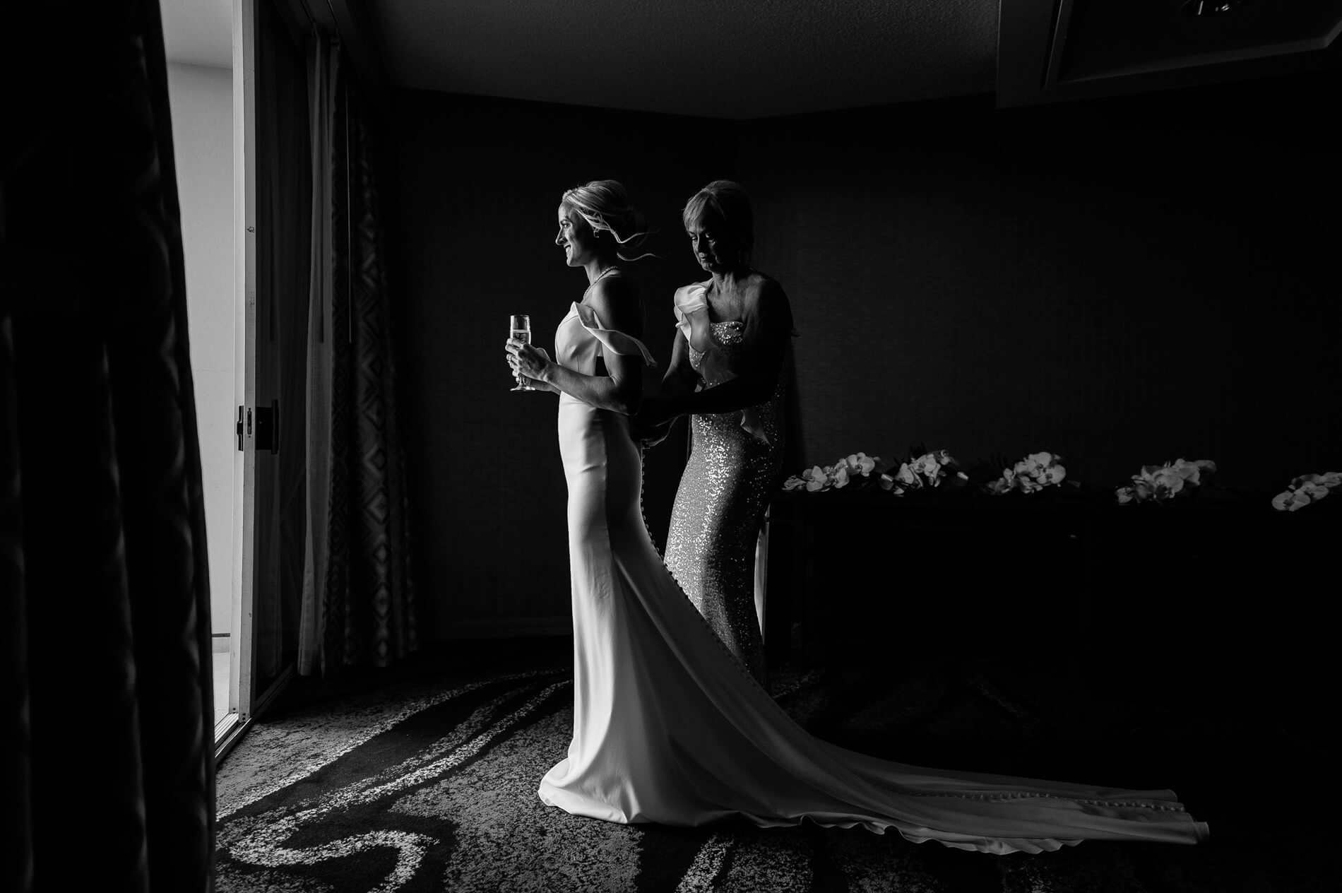 clean bridal suite wedding photography tips