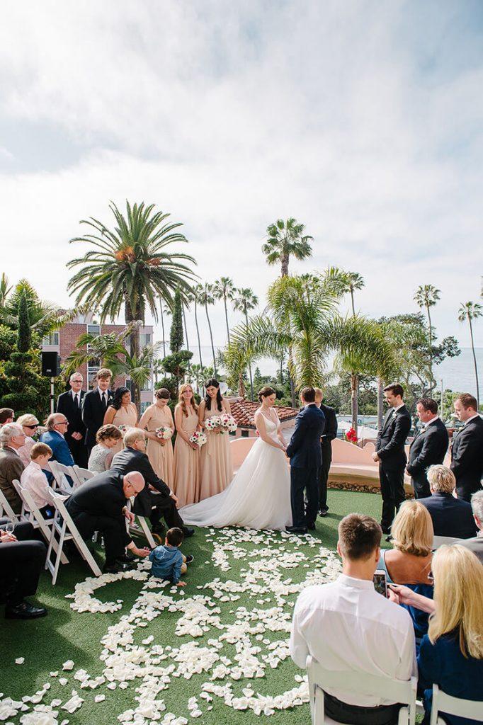 wedding ceremony at la valencia hotel la jolla