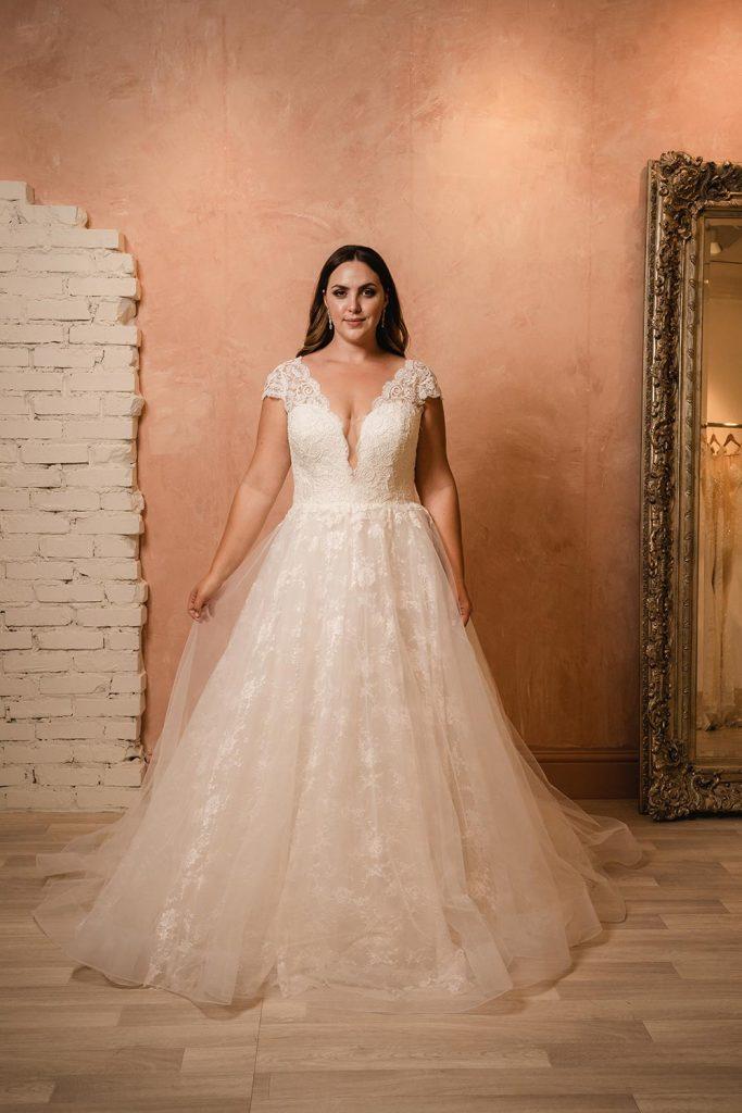jana ann plus size wedding gown